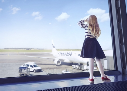 Finnair-girl-at-gate-01-low